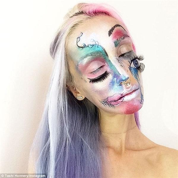 Tashi Honnery đam mê với bộ môn nghệ thuật bodypainting, chính vì thế cô áp dụng những gì học được vào việc trang điểm khuôn mặt để trở nên ấn tượng hơn. Qua đây Tashi Honnery cũng dễ dàng rèn luyện và nâng tay nghề.