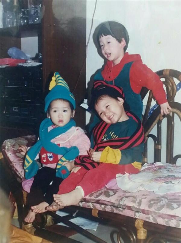 Hari Won hài hước chia sẻ đây chính là hình ảnh tuổi thơ của cô cùng với bạn bè thuở nhỏ. - Tin sao Viet - Tin tuc sao Viet - Scandal sao Viet - Tin tuc cua Sao - Tin cua Sao