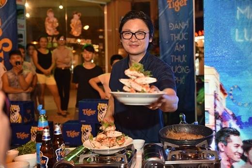 """Tinh thần """"Đánh thức bản lĩnh"""" được truyền tải qua ẩm thực của Luke Nguyễn tiếp thêm lửa cho các bạn trẻ vượt qua những rào cản, sống trọn với đam mê của mình."""