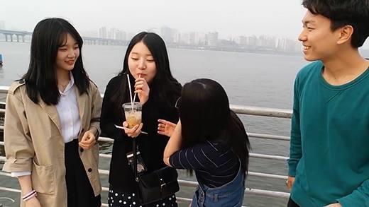 Phản ứng của người Hàn khi lần đầu thử cà phê Việt Nam