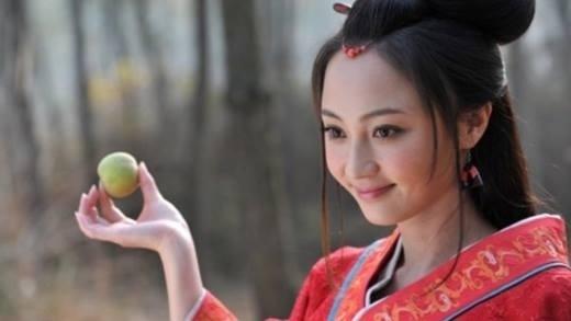 Diêu Địch có ngoại hình ưa nhìn nhưng không đủ xinh đẹp để vào vai Hằng Nga.