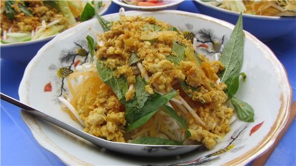 Cá được xay nhuyễn giống chà bông là điểm đặc biệt của bún kèn Phú Quốc. (Ảnh: Internet)