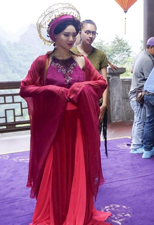 Trang phục trong Tấm, Cám bị chê tơi tả vì không thuần Việt
