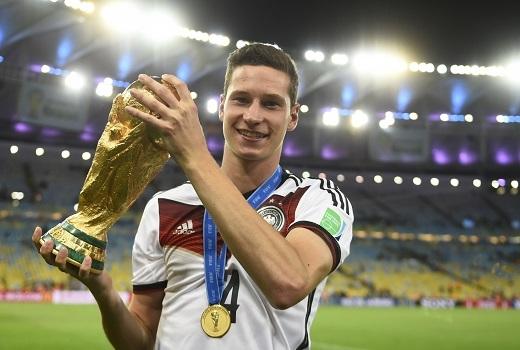 Julian Draxler là một trong những tiền vệ cánh tài năng bậc nhất của bóng đá Đức hiện tại