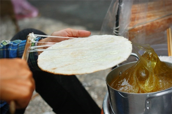 """Ẩm thực Sài Gòn - """"Chảy nước miếng"""" với những món ngon làm từ bánh tráng ở Sài Gòn"""