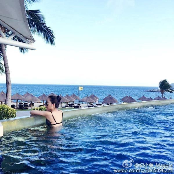 Kỷ Tiểu Mỹ là cô nàng rất thích đi nghỉ mát tại những khu du lịch hạng sang ở trong và ngoài nước.