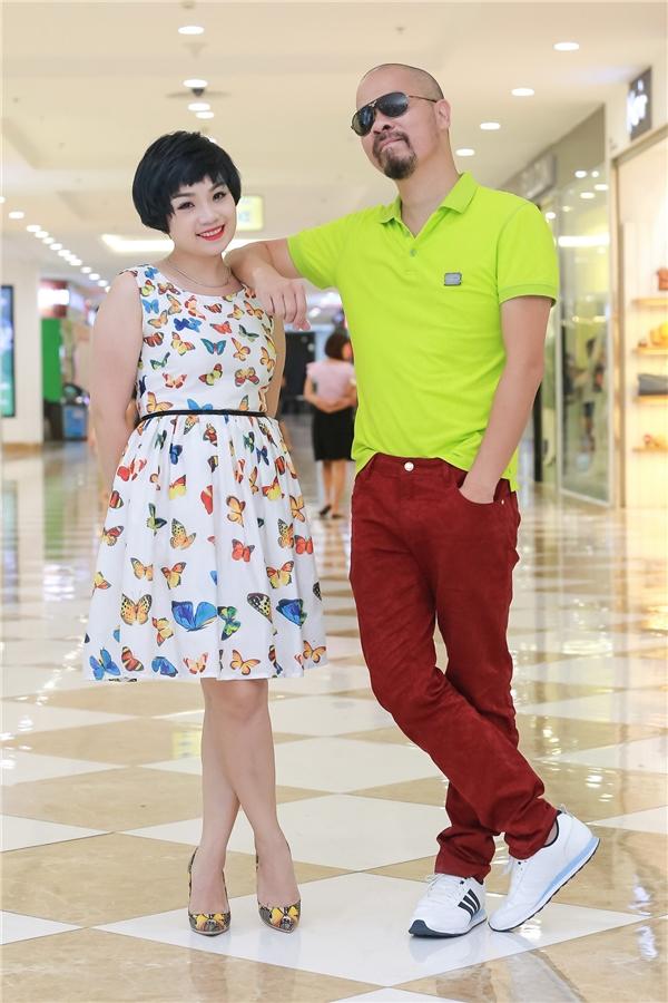 NTK Đức Hùng chụp ảnh cùng nữ giám khảo - ca sĩ Ngọc Khuê
