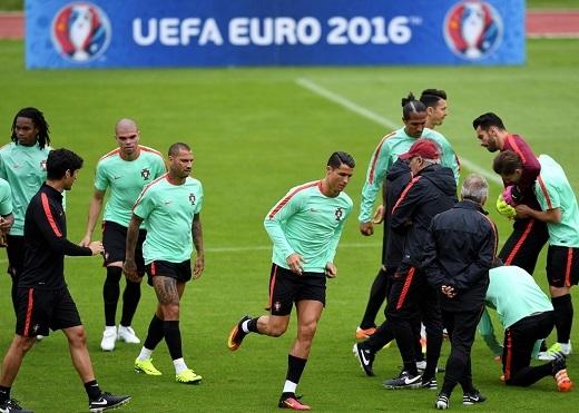 Ngôi sao đang khoác áo Real Madrid nỗ lực tập luyện cùng đồng đội chuẩn bị cho trận gặp Áo.