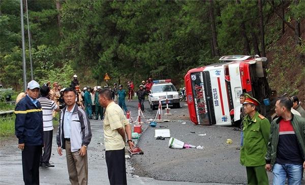 Hiện trường vụ tai nạn khiến nhiều người thương vong ở Đà Lạt vào ngày 19/6. Ảnh: Internet
