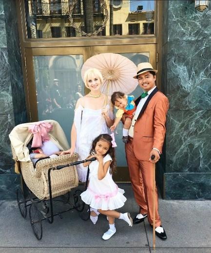 Thích thú với ông bố chuyên may đầm công chúa Disney cho con gái