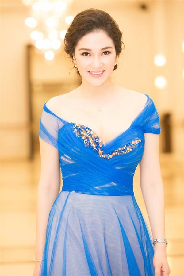 """Với khuôn mặt phúc hậu, nét đẹp ngày càng mặn mà, quyến rũ, cô được mệnh danh là """"hoa hậu của các hoa hậu"""". (Ảnh: Internet)"""