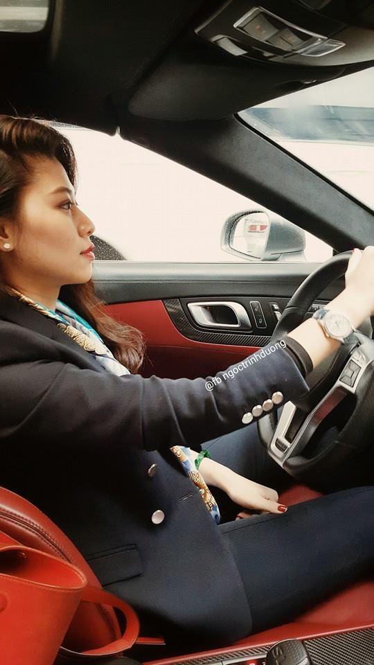 Ở tuổi 30, Ngọc Trinh đã tự lái siêu xe đi làm hằng ngày khiến không ít người ngưỡng mộ. - Tin sao Viet - Tin tuc sao Viet - Scandal sao Viet - Tin tuc cua Sao - Tin cua Sao