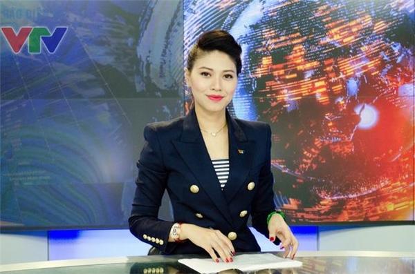 Với công việc BTV truyền hình,dấu ấn về mặt hình thức rất quan trọng, vì thế Ngọc Trinh luôn chỉn chu và không ngần ngại chi tiền tỉ để đầu tư trang phục, phụ kiện. - Tin sao Viet - Tin tuc sao Viet - Scandal sao Viet - Tin tuc cua Sao - Tin cua Sao