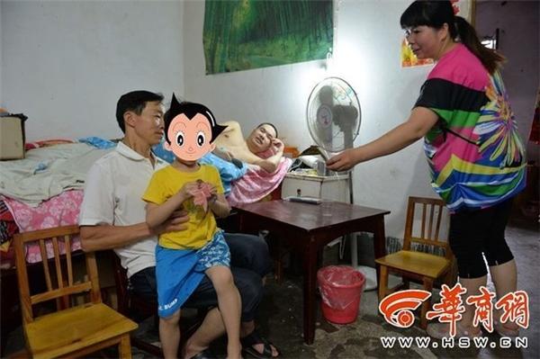 Đại gia đình cùngchung sống hạnh phúc trong một ngôi nhà.