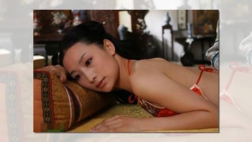 Đào Hân Nhiên mặc yếm, hở toàn bộ lưng trong Hậu cung Chân Hoàn truyện.
