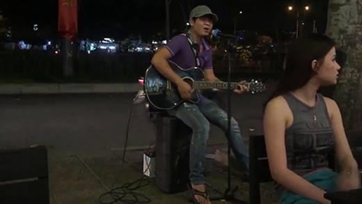 Xuất hiện giọng hát đường phố giống Lam Trường đến 99%