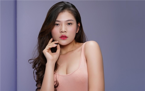 """Thí sinh The Face Vietnam 2016 trong thử thách chụp ảnh """"mặt mộc""""."""
