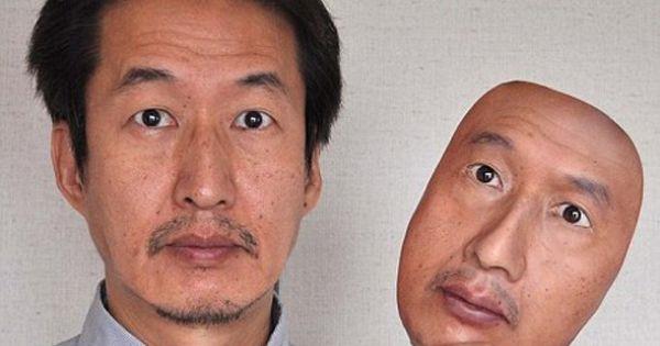 """Những chiếc mặt nạ này có giá """"cắt cổ"""" nhưng vẫn rất được ưa chuộng."""
