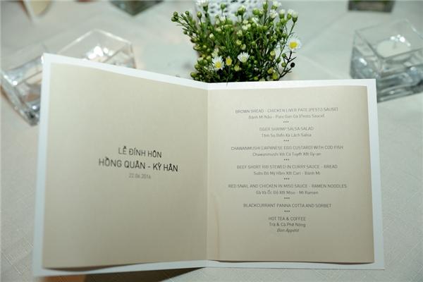 """Ở bàn tiệc được chú thích là """"Tiệc đính hôn: Mạc Hồng Quân - Kỳ Hân"""". - Tin sao Viet - Tin tuc sao Viet - Scandal sao Viet - Tin tuc cua Sao - Tin cua Sao"""