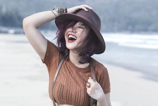 """Ca khúc của Trương Thảo Nhi khiến bạn muốn """"xách balo lên và đi ngay"""""""
