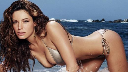 Đây là người phụ nữ có số đo 3 vòng hoàn hảo nhất hành tinh