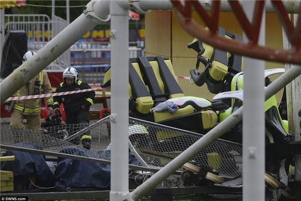 Đống đổ nát sau vụ tai nạn tại công viên M&D.(Ảnh: Daily Mail)
