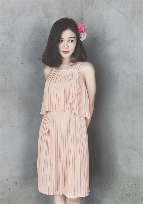Ribi còn tham gia làm người mẫu cho nhiều cửa hàng thời trang. (Ảnh: Internet)