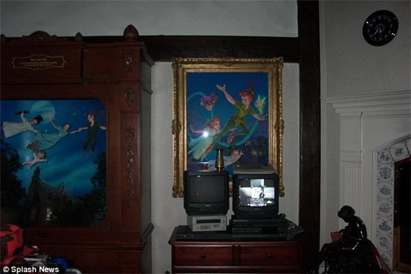 Peter Pan là nhân vật rất được Michael yêu thích, và là nguồn cảm hứng để ông đặt tên cho dinh thự của mình là Điền trang Neverland, theo tên mảnh đất thần tiên trong câu chuyện về cậu bé không bao giờ lớn.