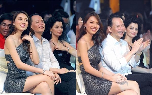 Rất hiếm hoi Huỳnh Thanh Tuyền mới xuất hiện trong các sự kiện của công ty nhà chồng. - Tin sao Viet - Tin tuc sao Viet - Scandal sao Viet - Tin tuc cua Sao - Tin cua Sao