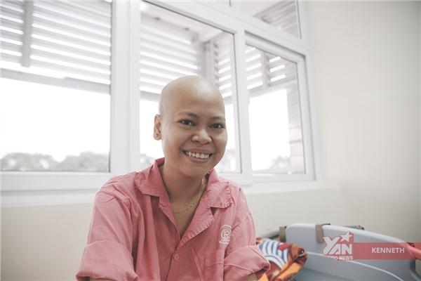 Nụ cười là thứ luôn thường trực trên gương mặt cô gái này bất chấp căn bệnh ung thư.