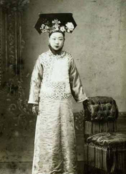 Nếu làm phép tính thì tuổi thọ bình quâncác cách cách của vua Khang Hy chỉ có 17 tuổi. (Ảnh: Internet)