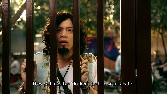 """Thái Rocker (Thái Hòa) là 1 fan cuồng rock đương thời, vô tình trở lại quá khứ, anh chàng quyết tâm phá đám cuộc tình giữa Gia Nghị và Mỹ Kỳ đểkhông có cơ hội """"vì gái quên thân""""."""
