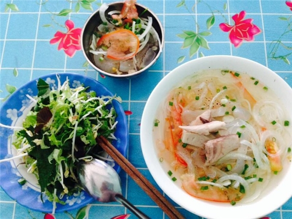Ẩm thực Nha Trang - Đậm đà bún lá cá dầm Nha Trang