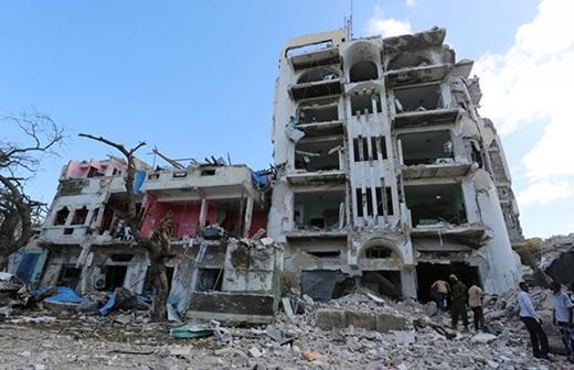 Khách sạn Ambassador ở Mogadishu tan hoang vì những cuộc giao tranh.