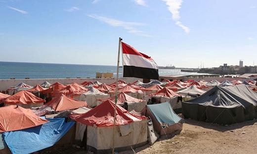 Somalia đã nghèo, thế nhưng họ còn phải gồng mình cưu mang những người tị nạn Yemen từ bên kia vịnh Aden vì bên đó cũng xảy ra nội chiến.