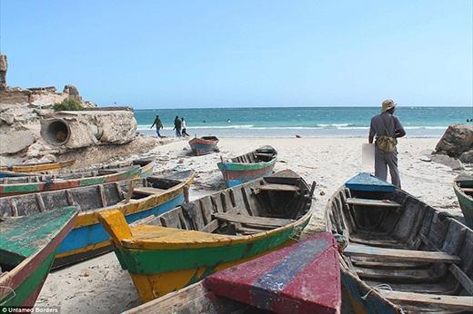 Những bãi biển lúc nào cũng phải có cảnh sát túc trực vì ở Somali có thể bị đánh bom bất kì lúc nào.