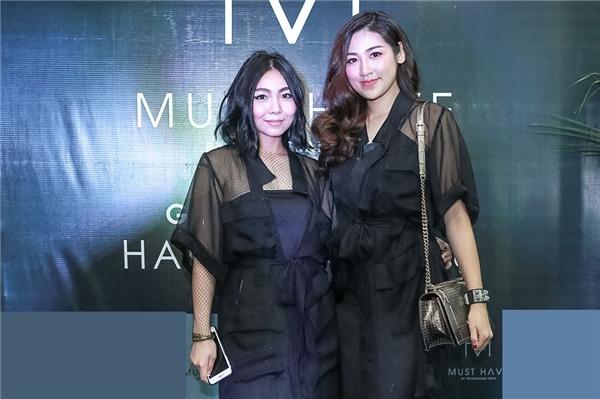 Được biết NTK Trang Trang Trần là một người em khá thân thiết đối với á hậu Tú Anh.