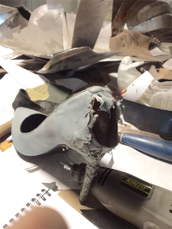 Thảm cảnh tưởng như không thể cứu vãn của chiếc giày