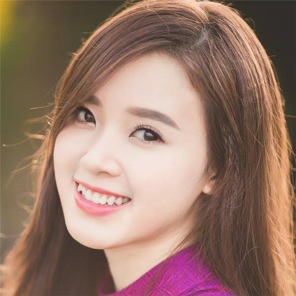 Đôi mắt long lanh ánh lên sự thông minh của cô gái xinh đẹp. - Tin sao Viet - Tin tuc sao Viet - Scandal sao Viet - Tin tuc cua Sao - Tin cua Sao