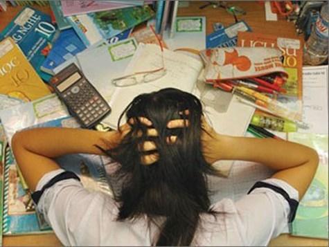 Vì trầm cảm, cô gái đã phải bỏ dỡ kì thi. (Ảnh minh họa)