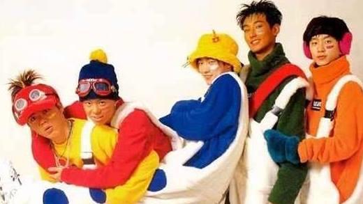 Những bộ trang phục khiến thần tượng Kpop muốn