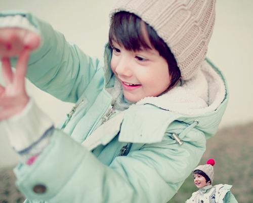 Với khuôn mặt baby đáng yêu gần giống với ca sĩ của nhóm nhạc2PM,cậu bé được nhiều người gọi yêu với cái tênBaby Nichkhun.