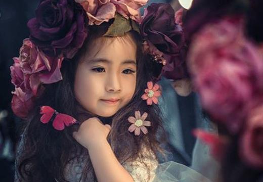 Vẻ xinh xắn như thiên thần của