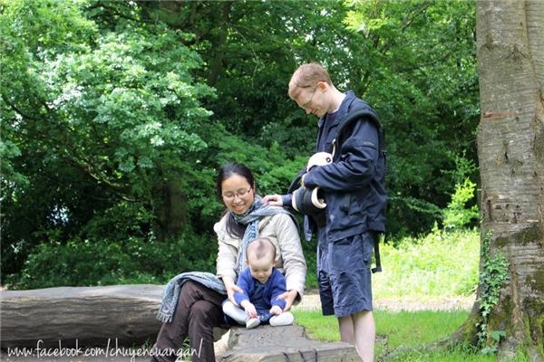 Lần đầu tiên cặp đôi gặp nhau là vào tháng 11/2011 tại hội nhóm nhà thờ ở London. (Ảnh: NVCC)