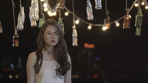 Minh Trang trong vai Lee