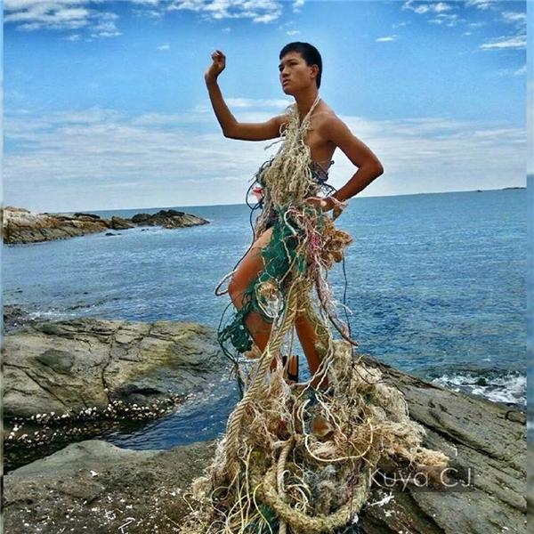 Thời trang biển cả mùa cá chết.