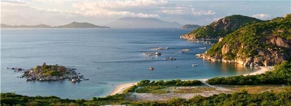 Du lịch Ninh Thuận - Khám phá vịnh Vĩnh Hy đầy thơ mộng bằng con đường mới, bạn đã biết chưa???