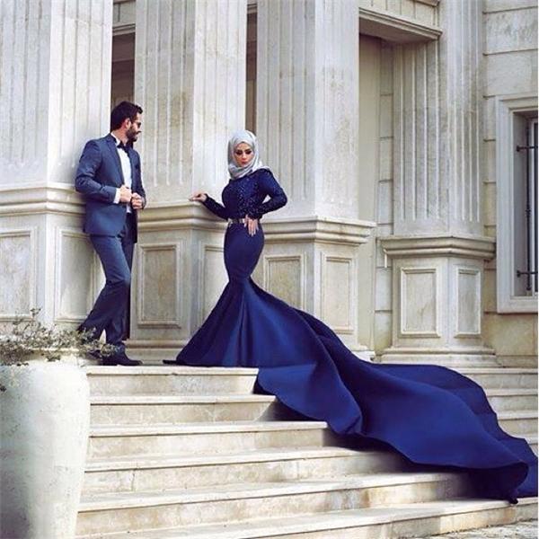 Sắc xanh navy đậm đà càng làm nổi bật nét huyền bí của cô dâu Hồi giáo.(Ảnh: Instagram)