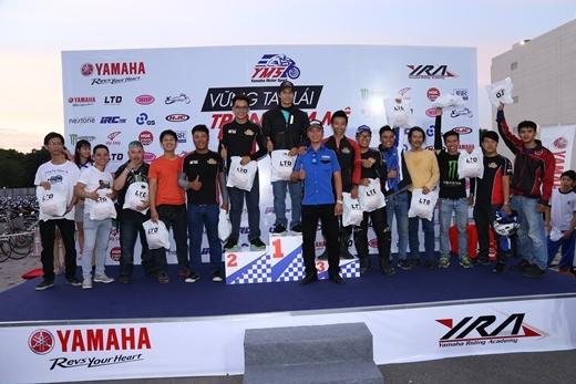 Cuộc thi điều khiển xe côn tay Revkhana được đông đảo CLB hội nhóm tham gia tranh tài.