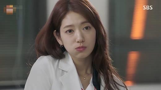 Cười ra nước mắt với cảnh ghen tuông của bác sĩ Ji Hong
